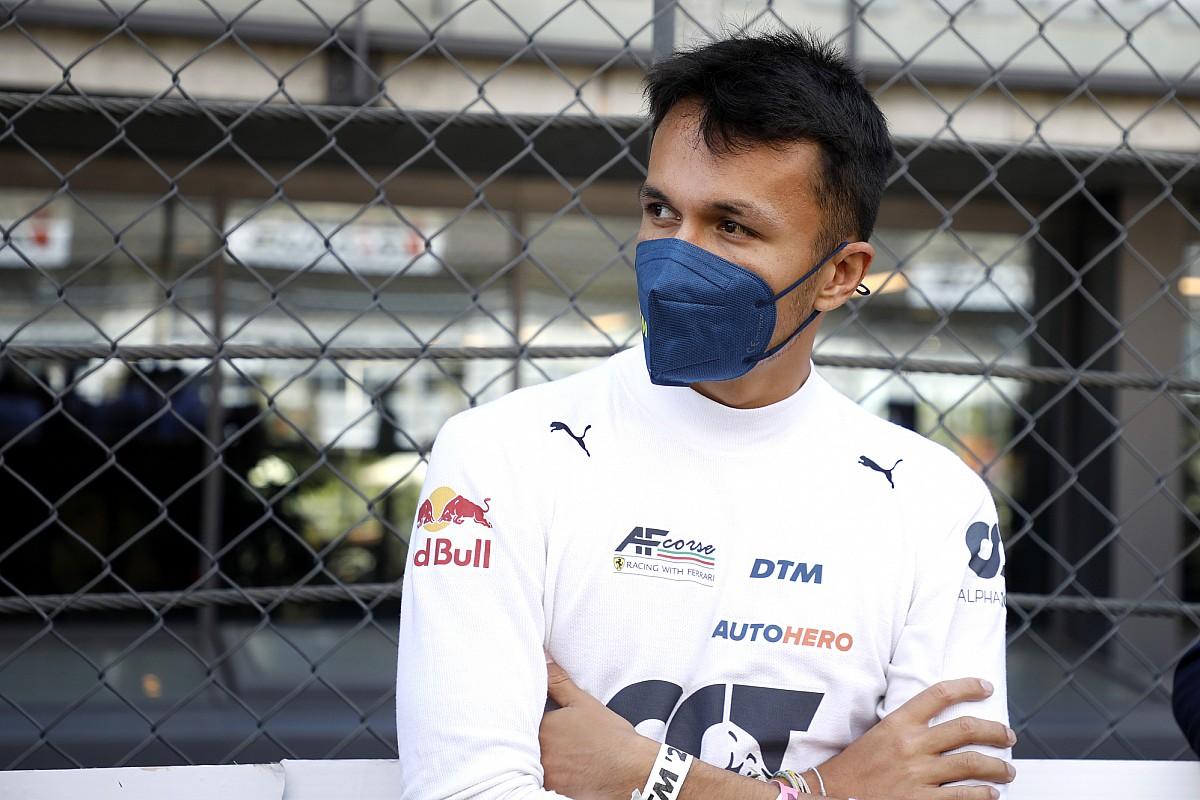 Albon: Geen idee wat Mercedes-clausules in Williams-contract inhouden