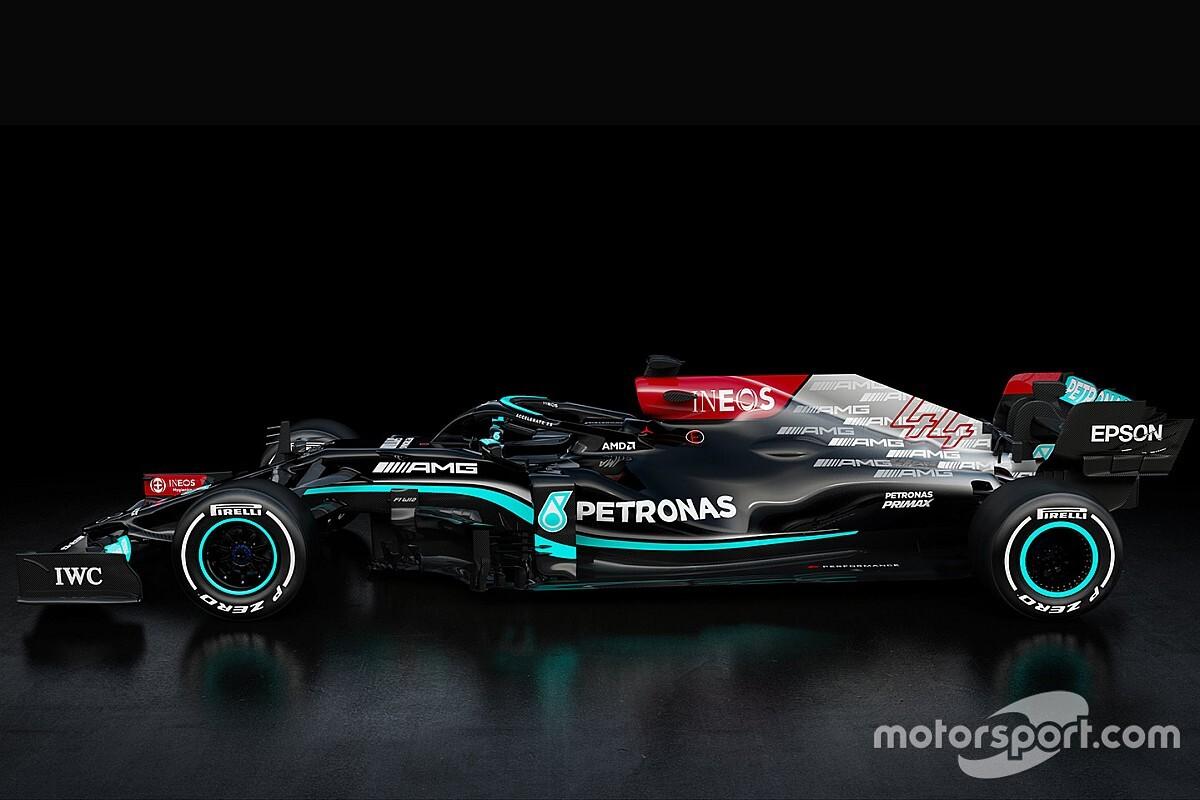 VIDEO: Mercedes presenteert de W12 van Hamilton en Bottas