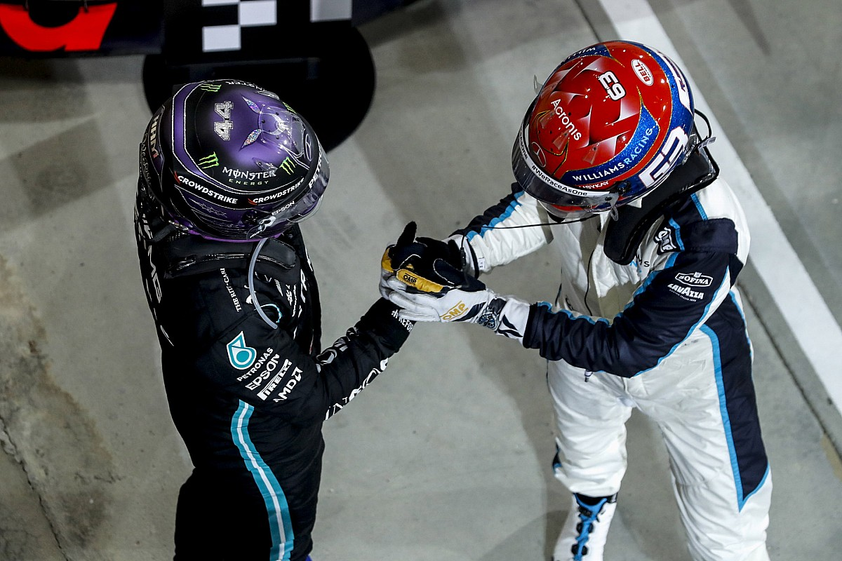 Hamilton over late lekke band  Kreeg bijna hartverzakking