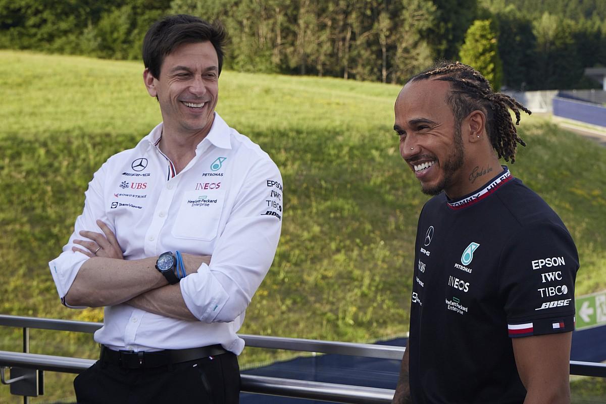 Wolff over felle kritiek Red Bull: